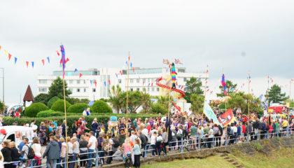 Parade Crowds 2018